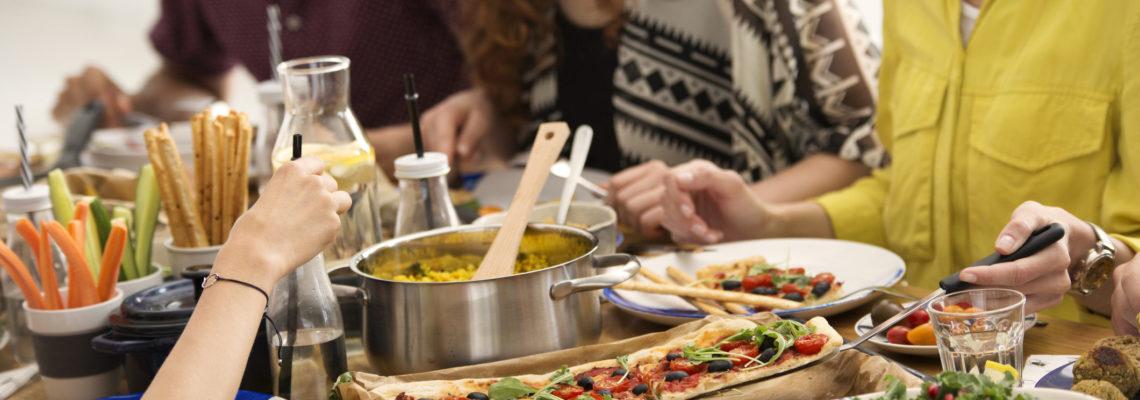 """El Dr. Poole, experto internacional en dieta mediterránea y participante en la World Olive Oil Exhibition, afirma que """"el AOVE es la base de la Dieta Mediterránea""""."""